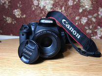 Продам зеркальную камеру Canon EOS 600D
